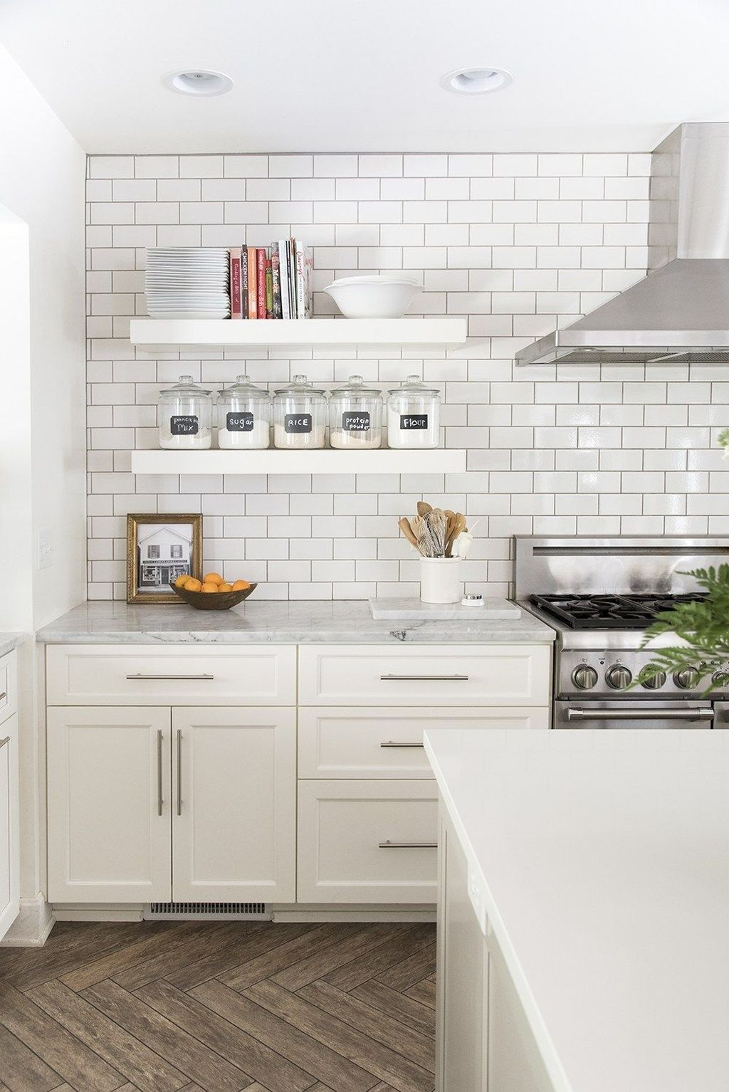 Gorgeous Kitchen Shelves Ideas You Must Have 09