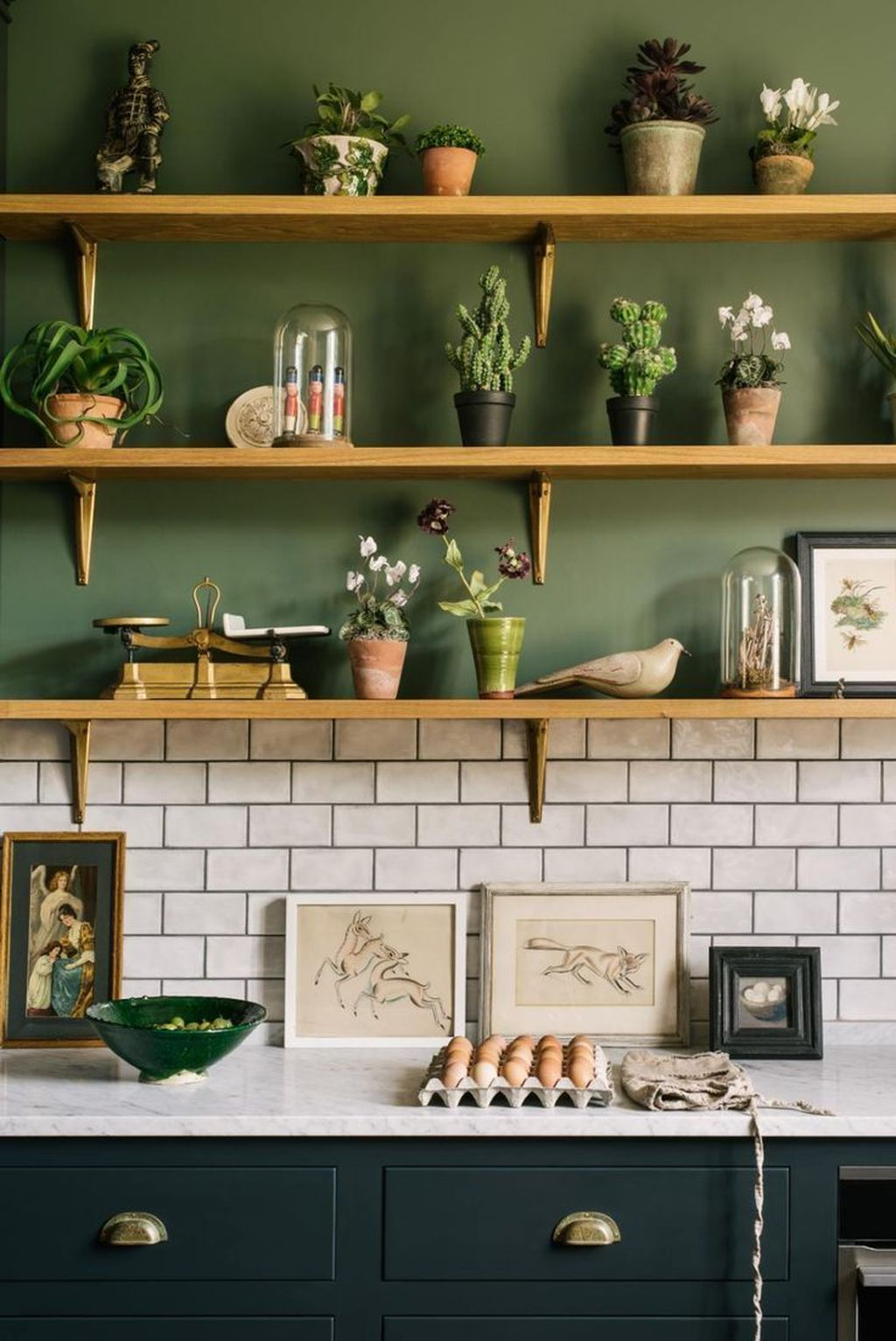 Gorgeous Kitchen Shelves Ideas You Must Have 18