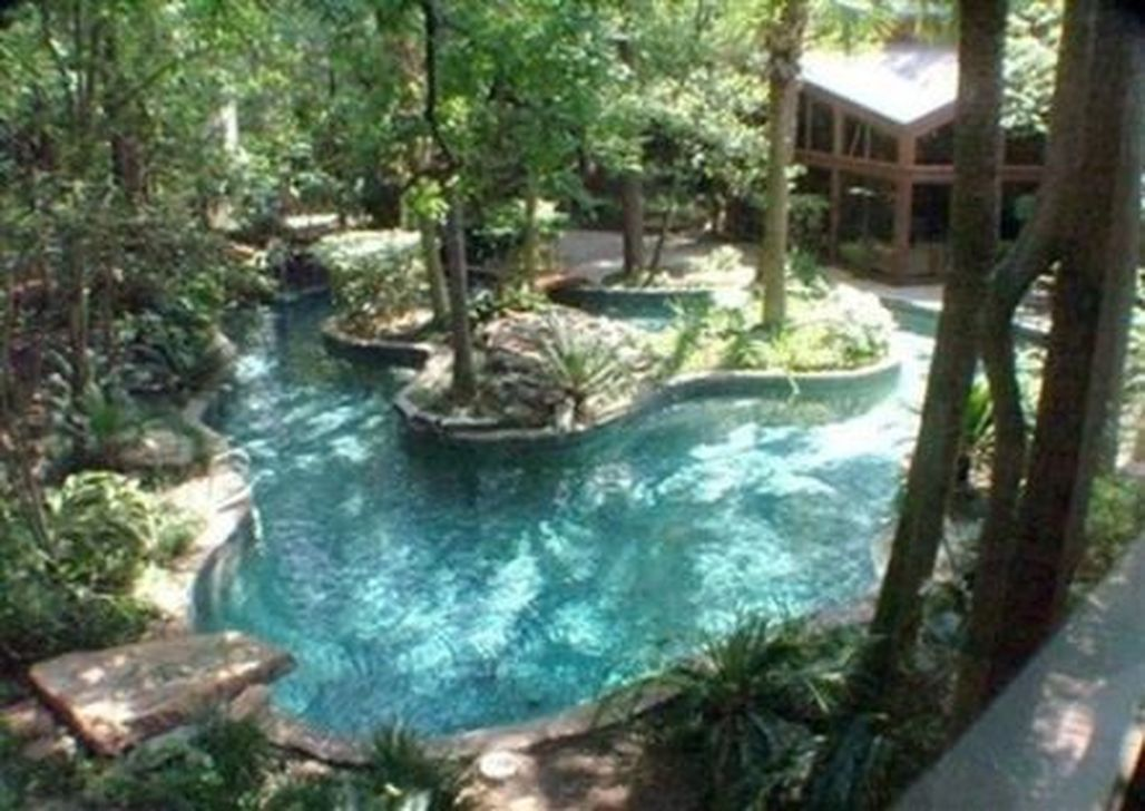 Stunning Backyard Pool Landscaping Ideas 27