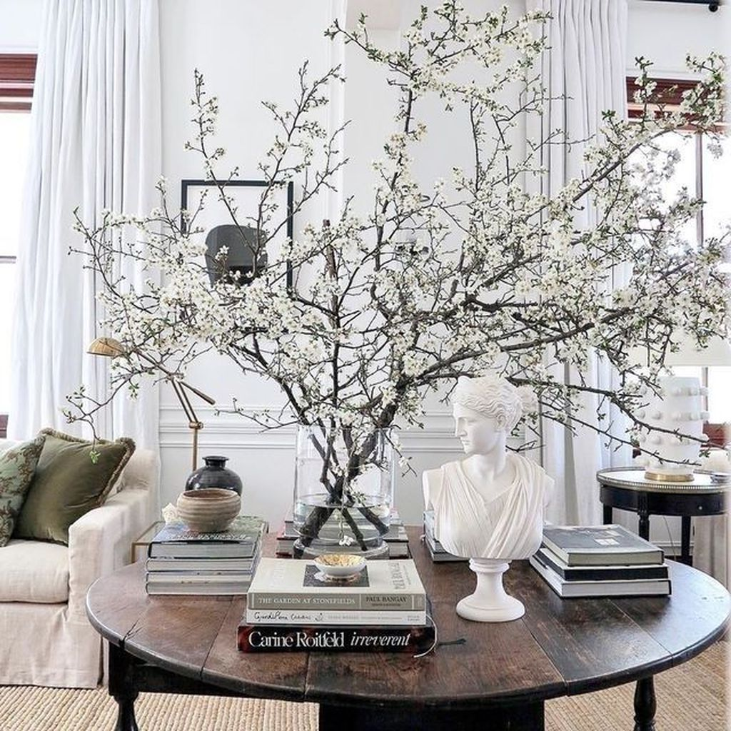 Amazing Floral Living Room Decor Ideas That You Will Love 03