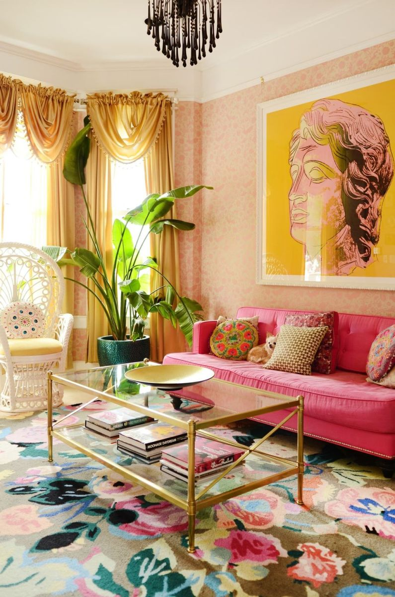 Amazing Floral Living Room Decor Ideas That You Will Love 05
