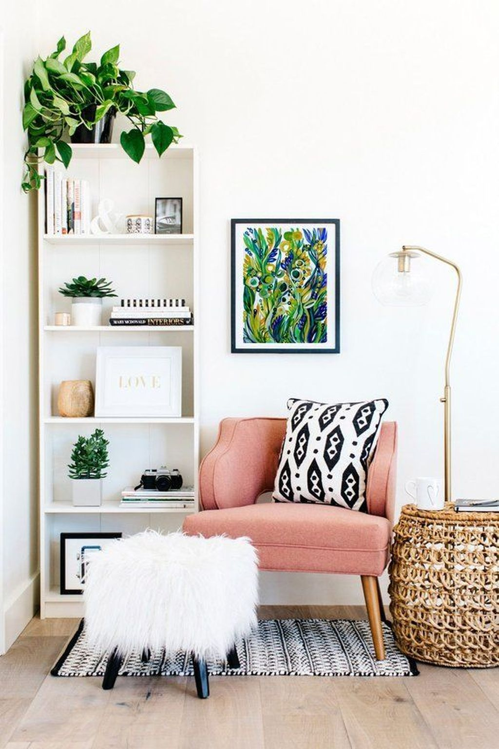 Amazing Floral Living Room Decor Ideas That You Will Love 08
