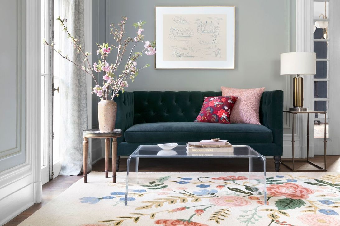 Amazing Floral Living Room Decor Ideas That You Will Love 39