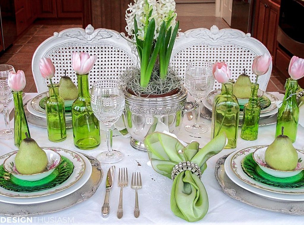 Amazing Summer Tablescapes For Dining Room Decor 15
