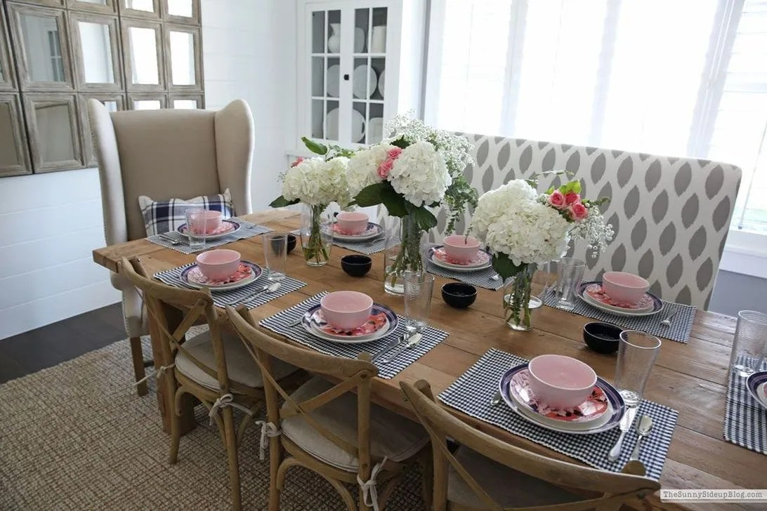 Amazing Summer Tablescapes For Dining Room Decor 26