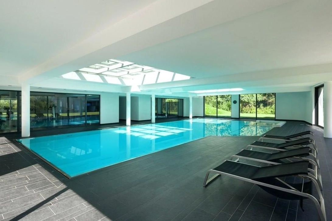 Beautiful Modern Indoor Pool Design Ideas You Must Have 13