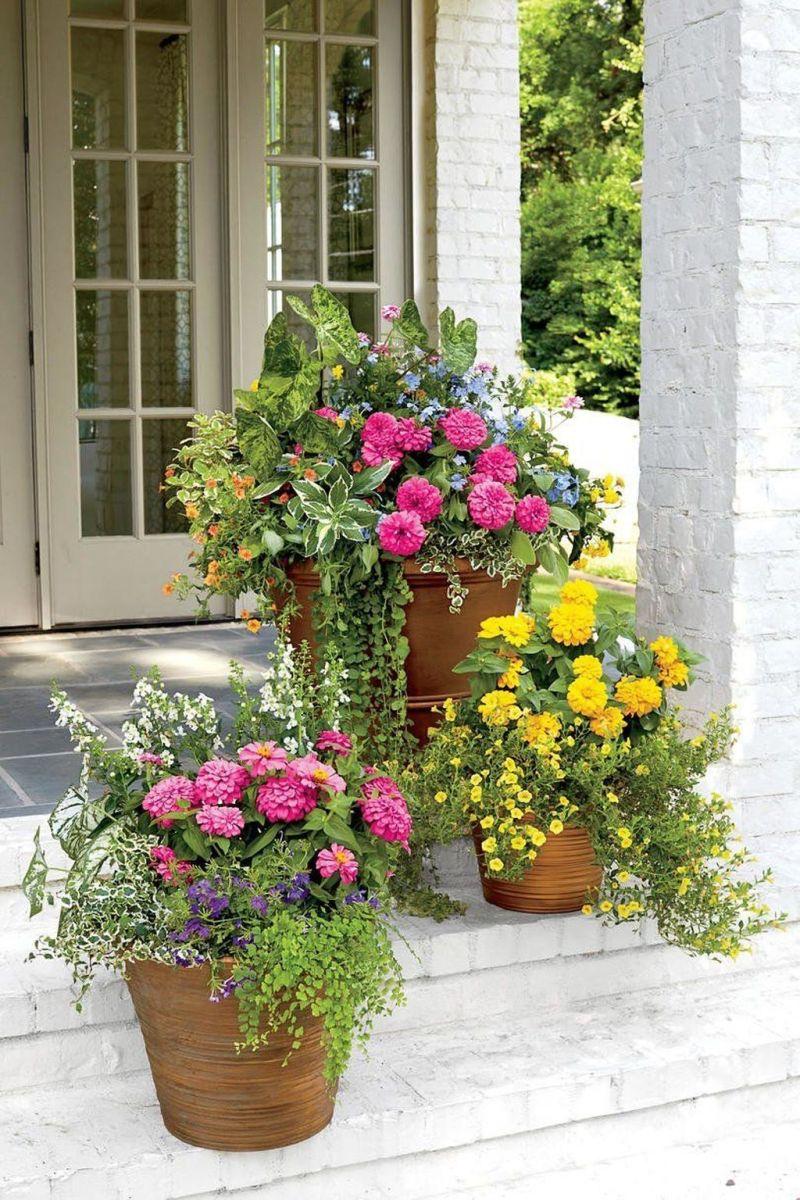 Beautiful Summer Planters Ideas For Front Door Decor 08