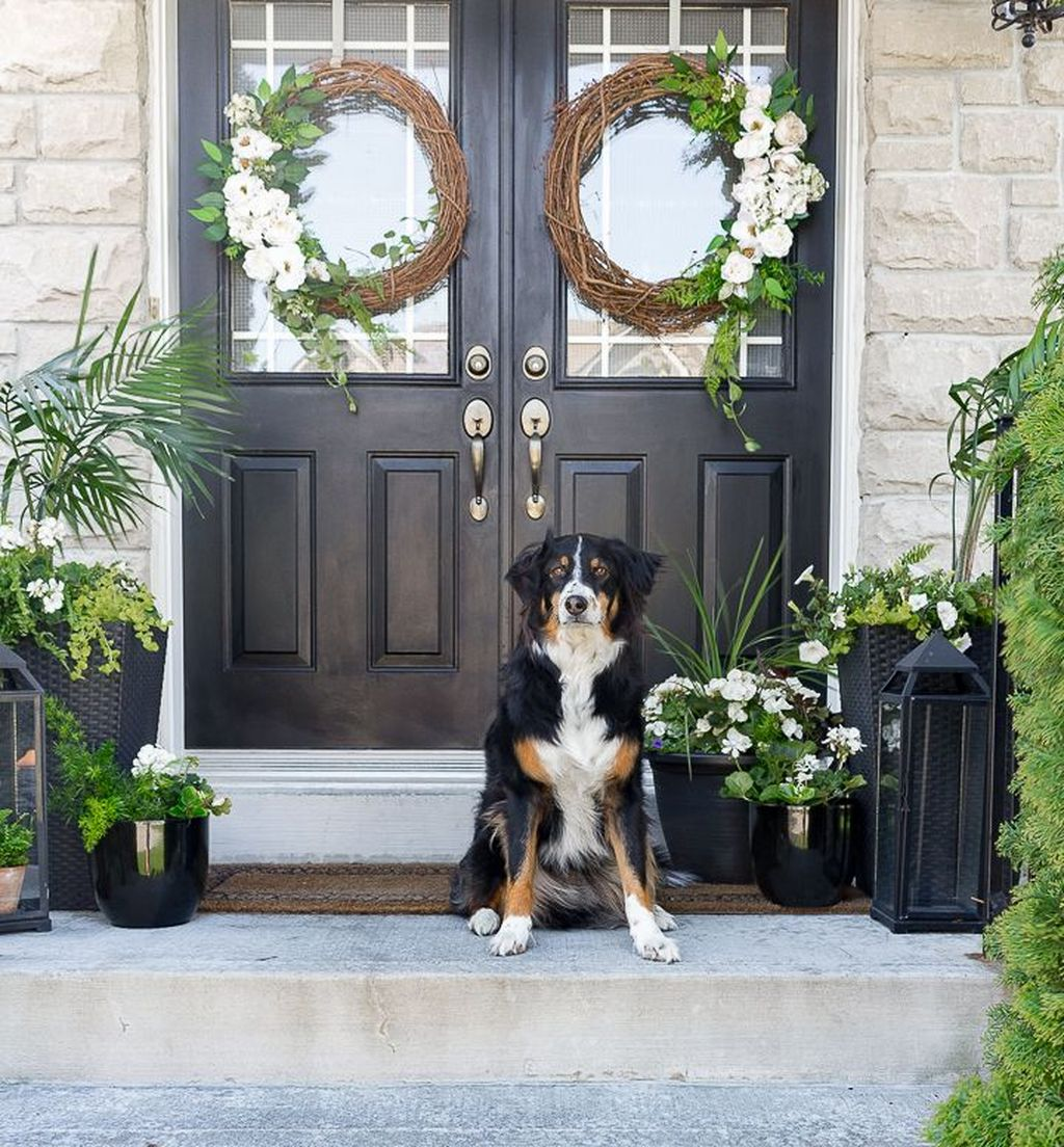 Beautiful Summer Planters Ideas For Front Door Decor 12