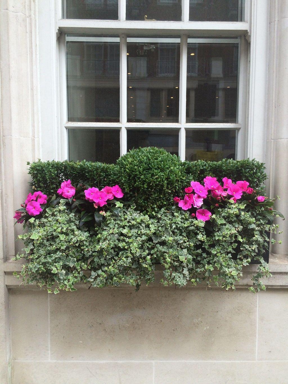 Beautiful Summer Planters Ideas For Front Door Decor 18
