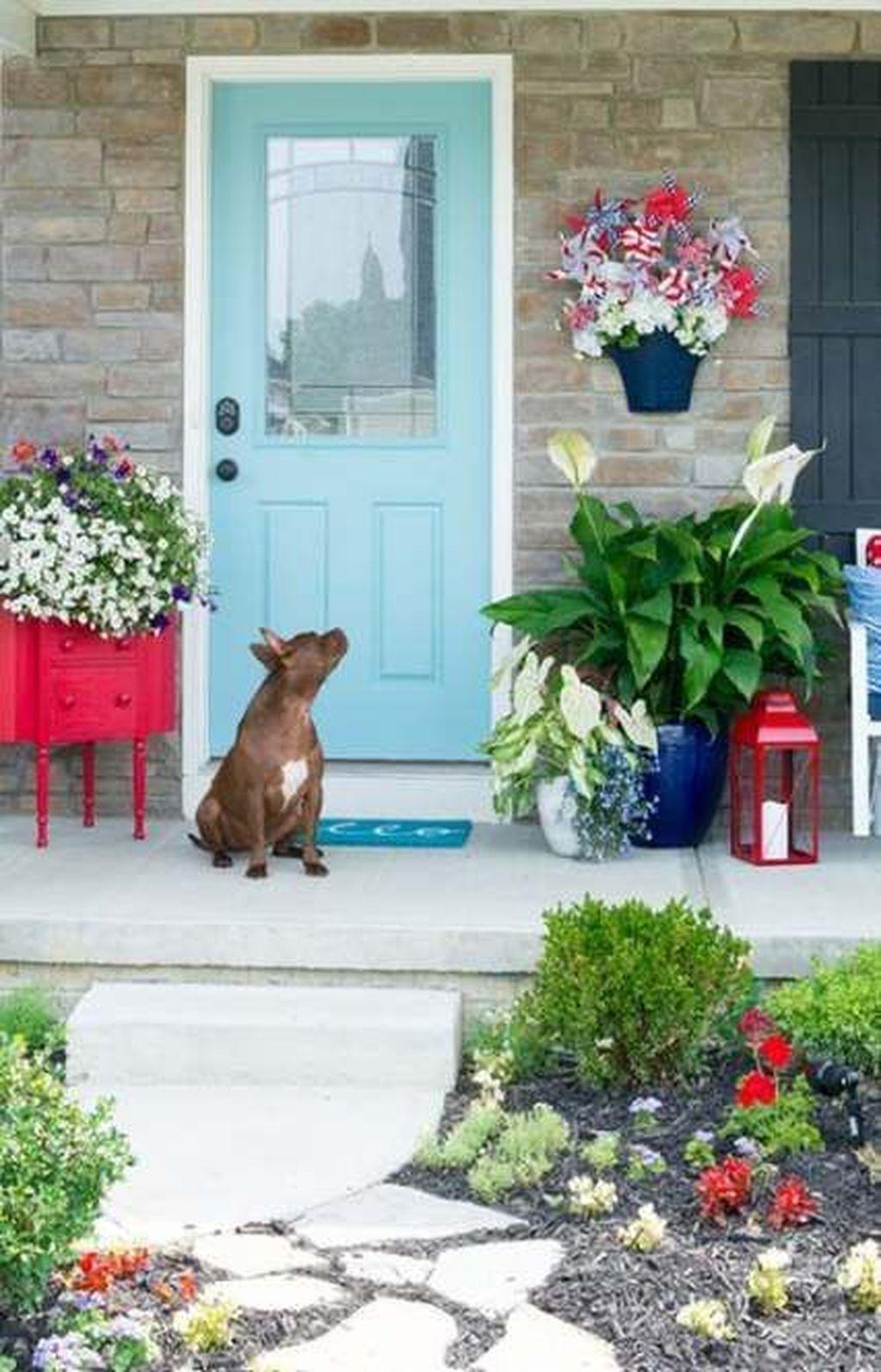 Beautiful Summer Planters Ideas For Front Door Decor 29