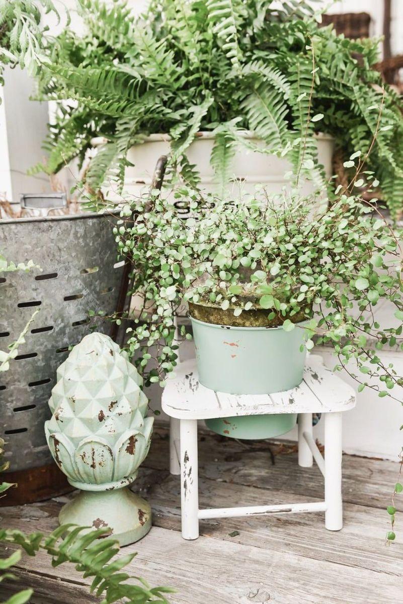 Beautiful Summer Planters Ideas For Front Door Decor 30