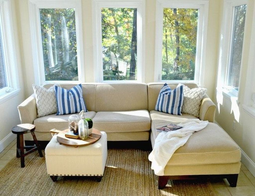 Charming Small Sunroom Decorating Ideas You Must Try 04
