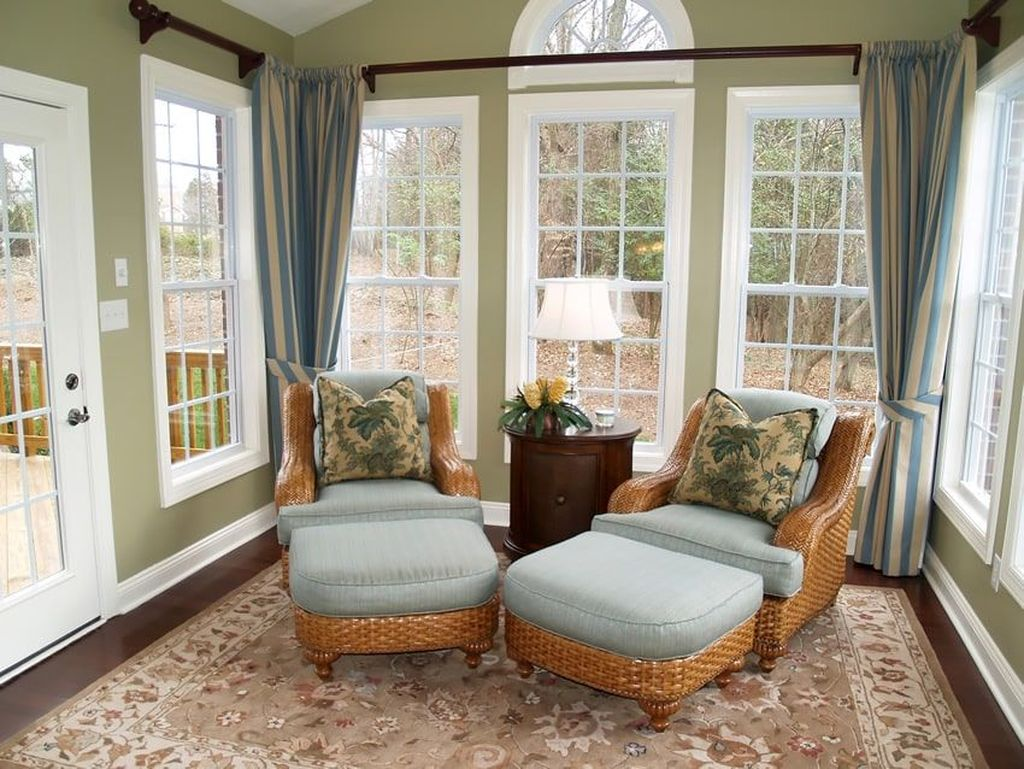 Charming Small Sunroom Decorating Ideas You Must Try 08