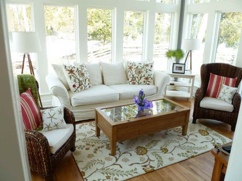 Charming Small Sunroom Decorating Ideas You Must Try 16