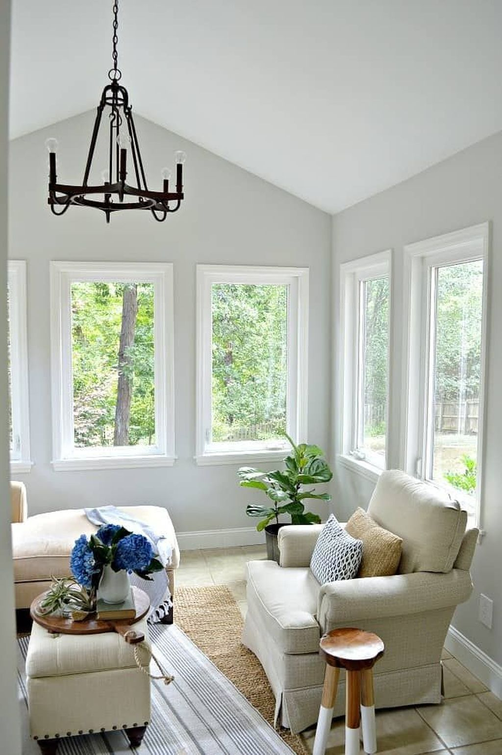 Charming Small Sunroom Decorating Ideas You Must Try 32