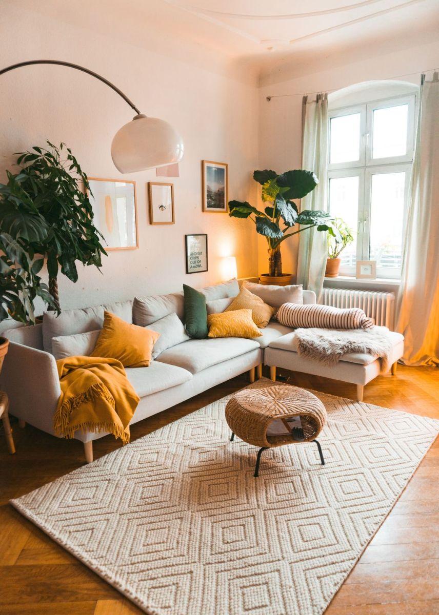 Charming Yellow Interior Design Ideas Best For Summer 33