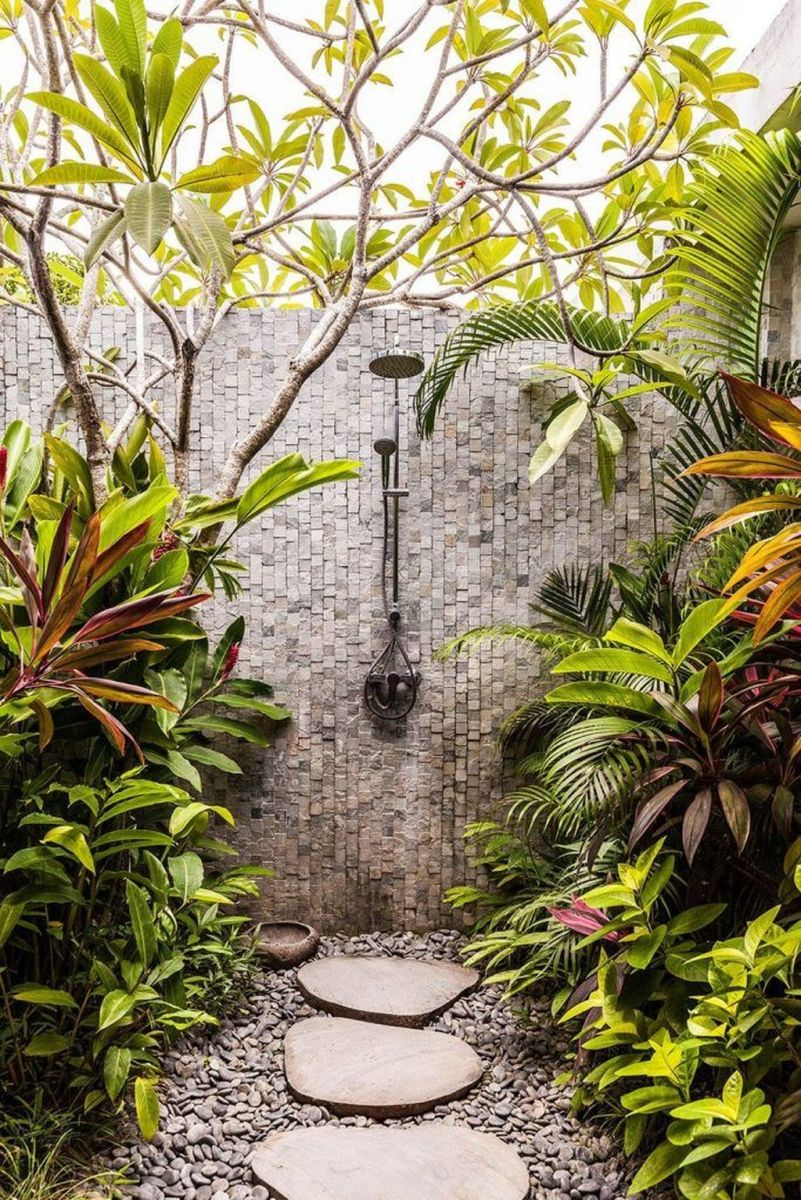 Creative Outdoor Bathroom Design Ideas For Enjoying Summer 04