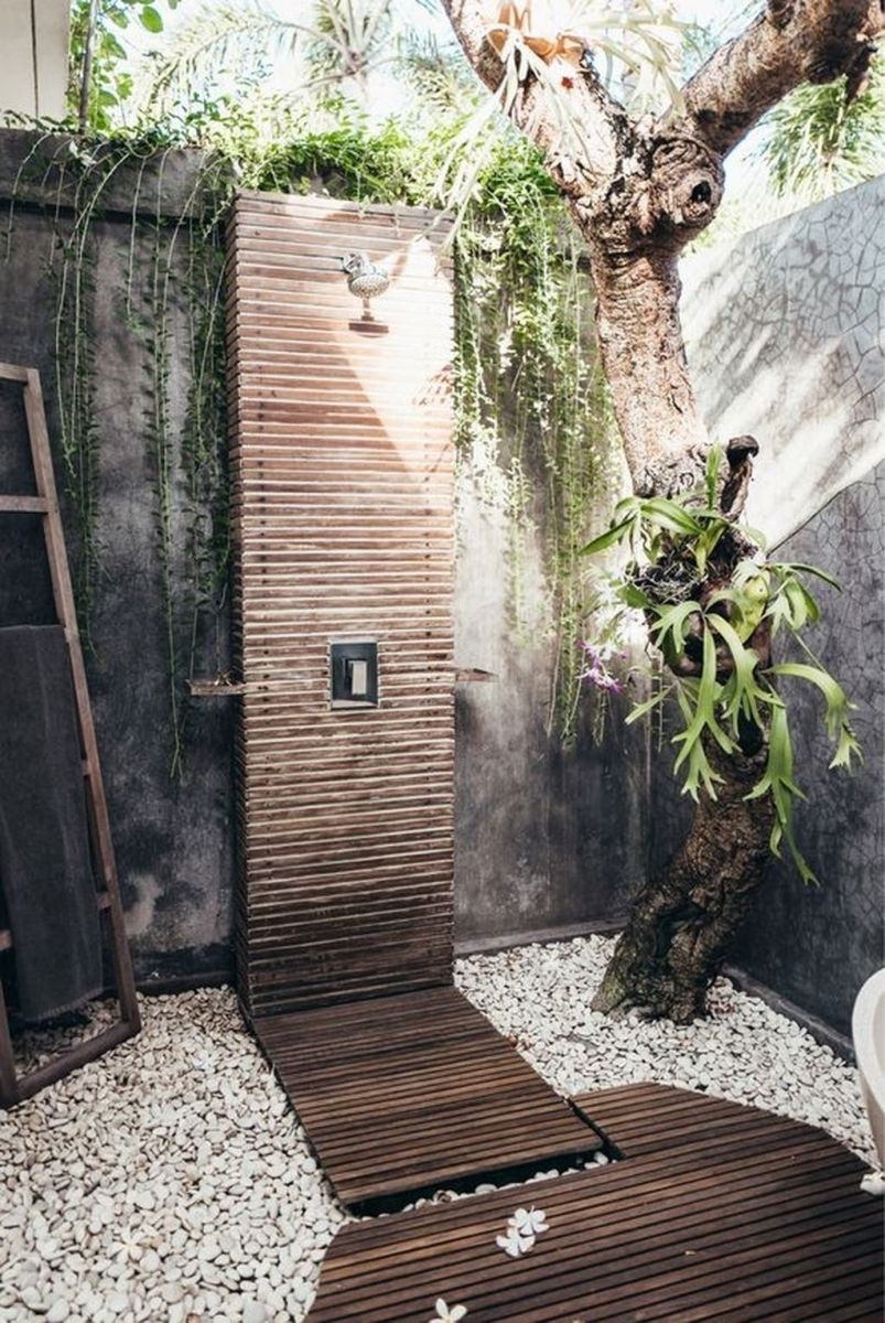 Creative Outdoor Bathroom Design Ideas For Enjoying Summer 09