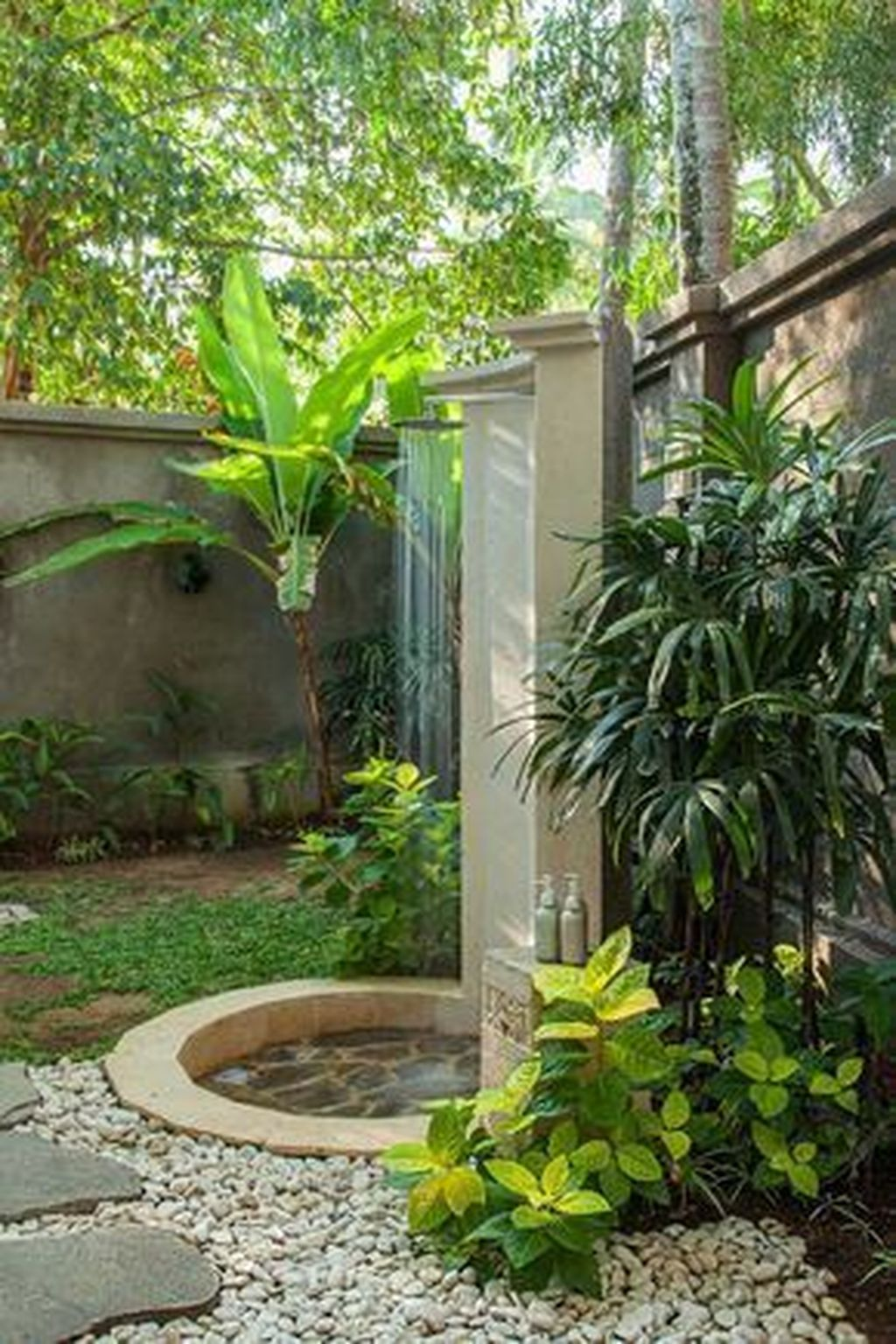 Creative Outdoor Bathroom Design Ideas For Enjoying Summer 13