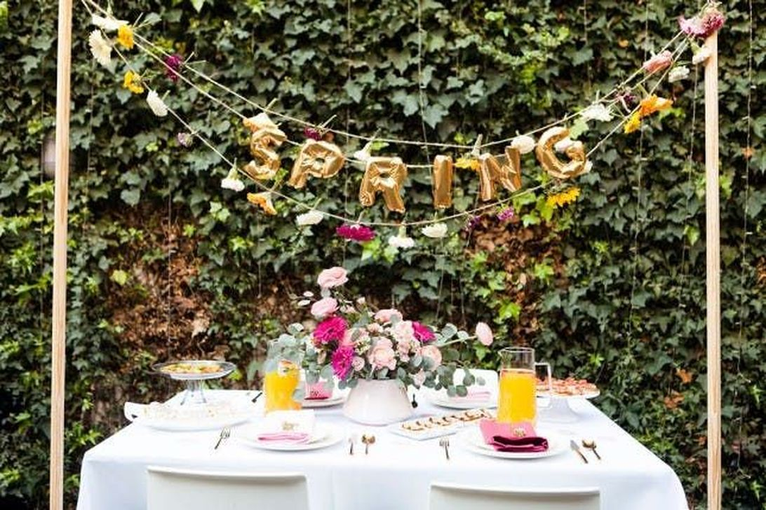 Fabulous Floral Theme Party Decor Ideas Best For Summertime 20
