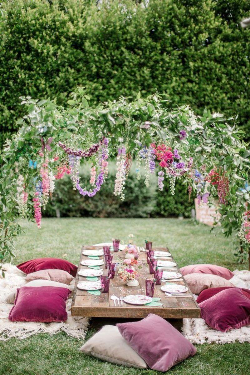 Fabulous Floral Theme Party Decor Ideas Best For Summertime 27