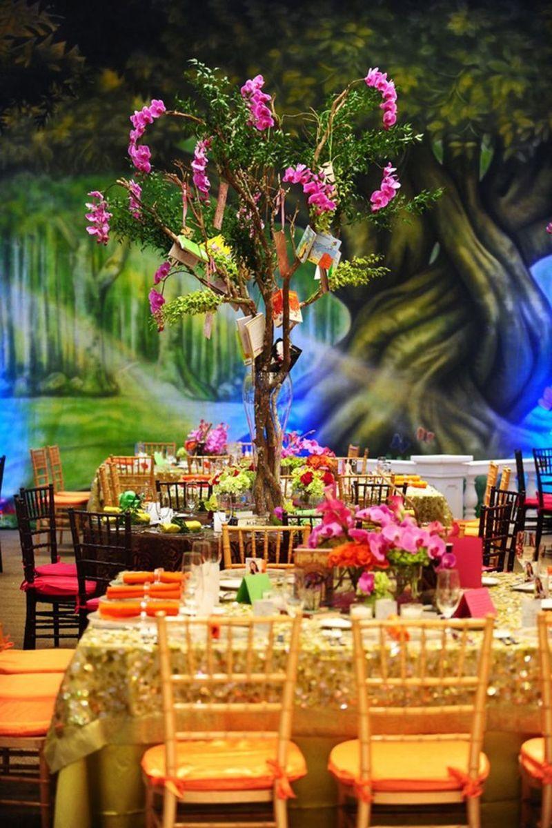 Fabulous Floral Theme Party Decor Ideas Best For Summertime 32