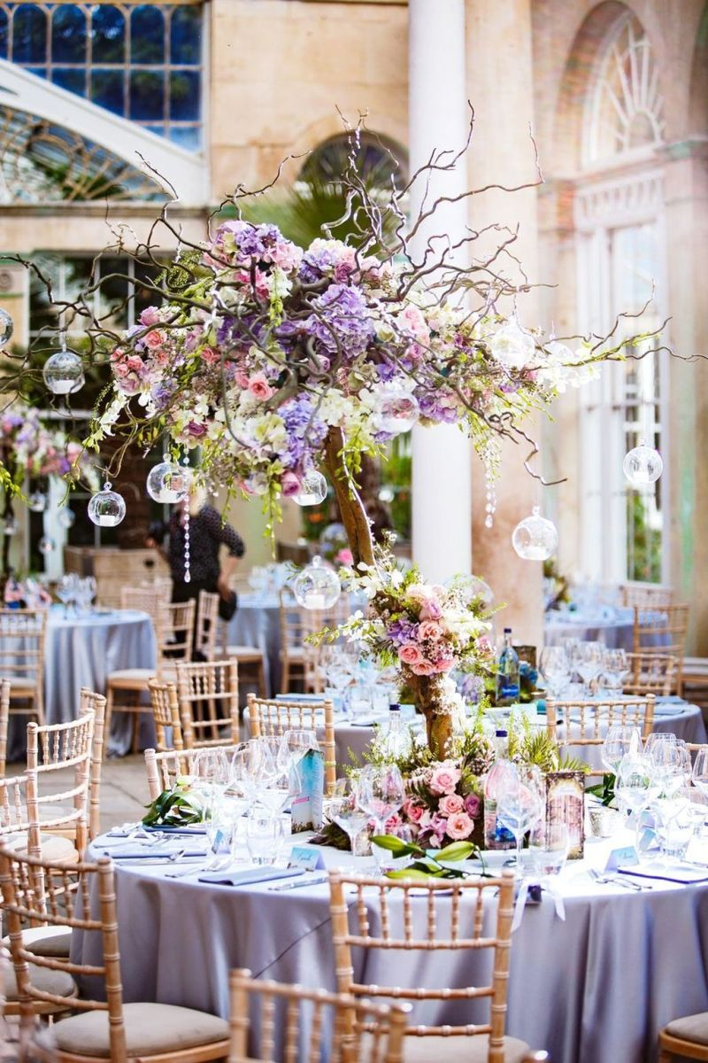 Fabulous Floral Theme Party Decor Ideas Best For Summertime 34