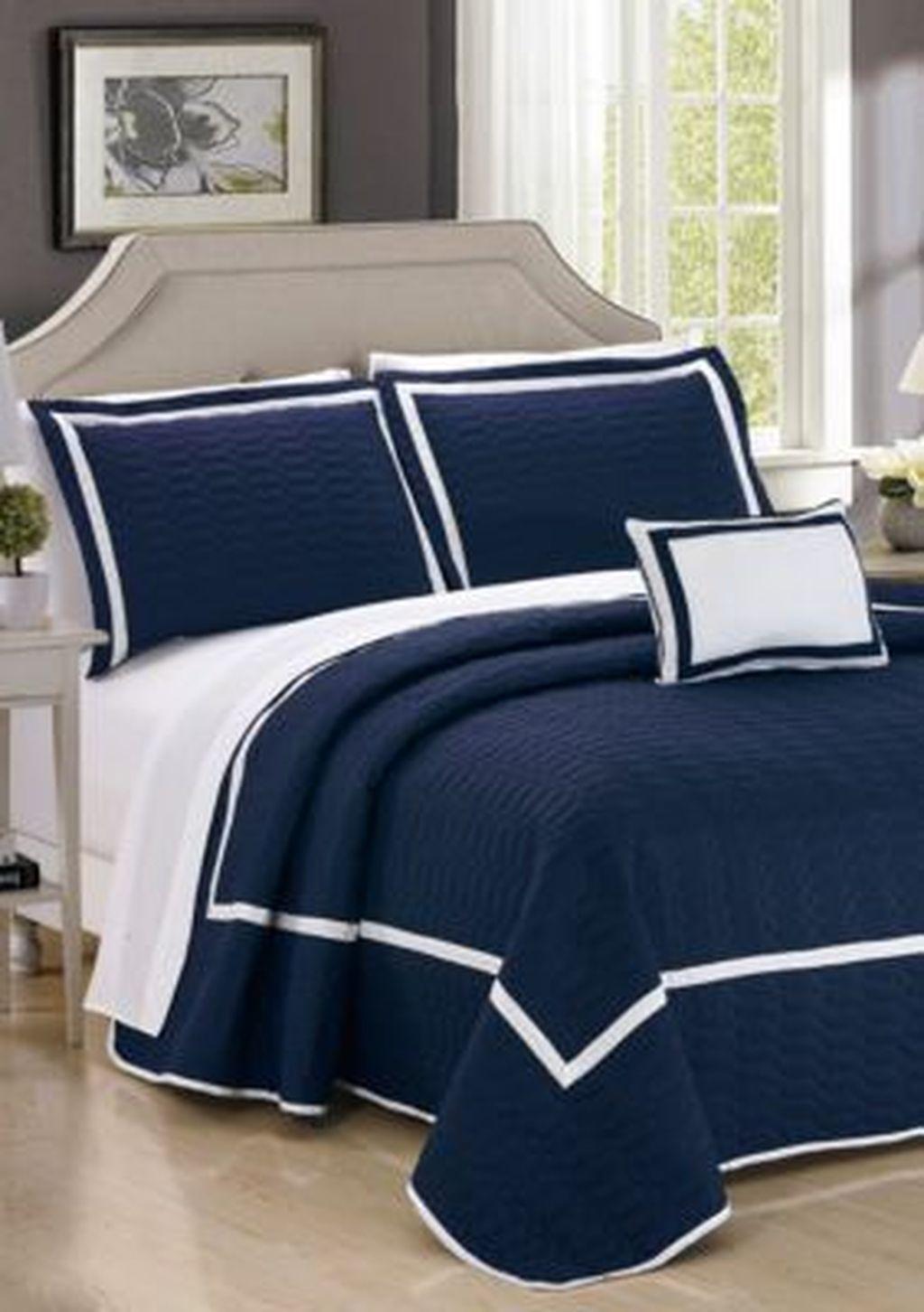 Inspiring Navy Blue Bedroom Decor Ideas You Should Copy 27