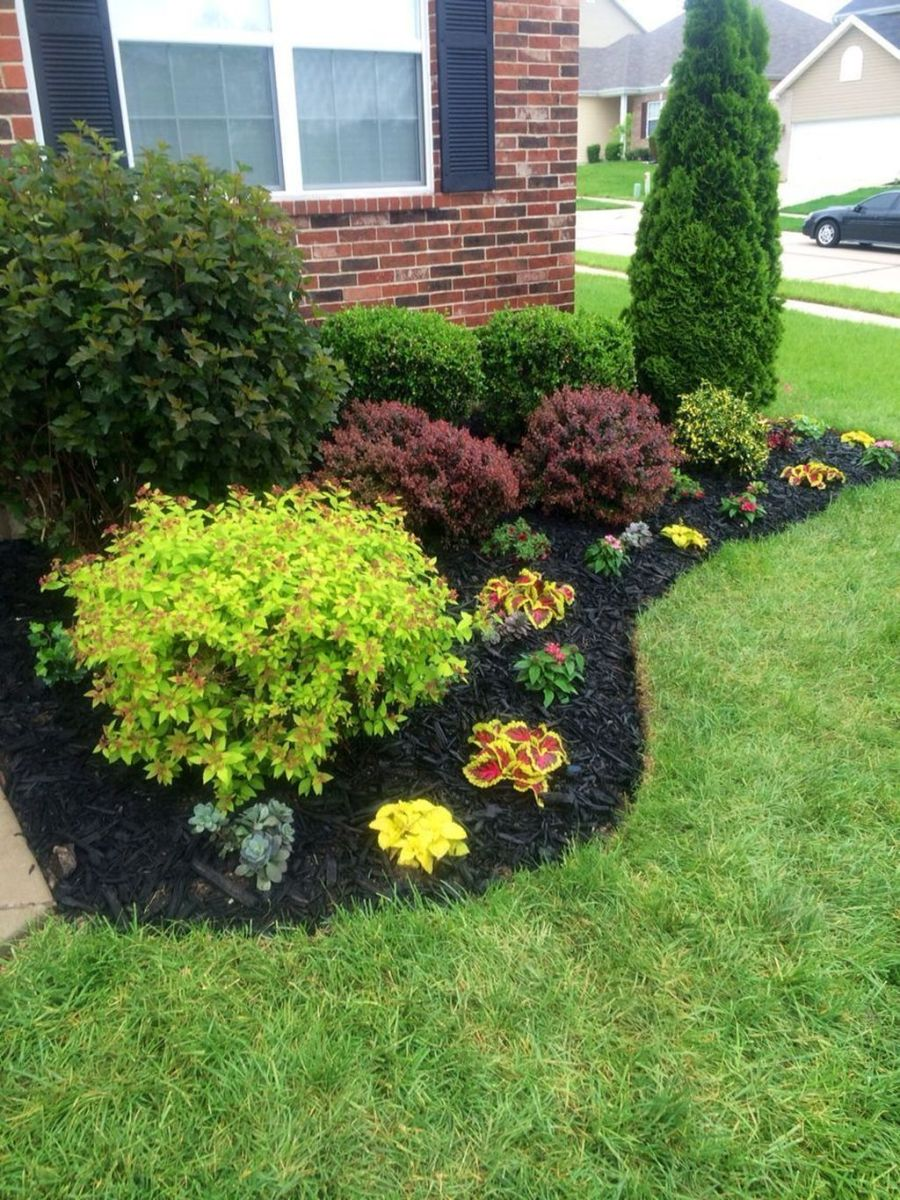 Lovely Flower Beds Design Ideas In Front Of House 13