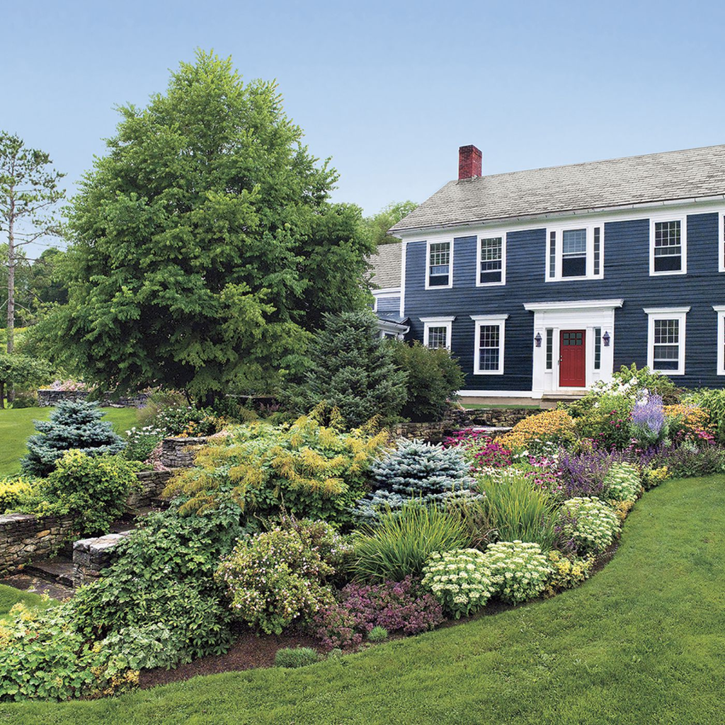 Lovely Flower Beds Design Ideas In Front Of House 19