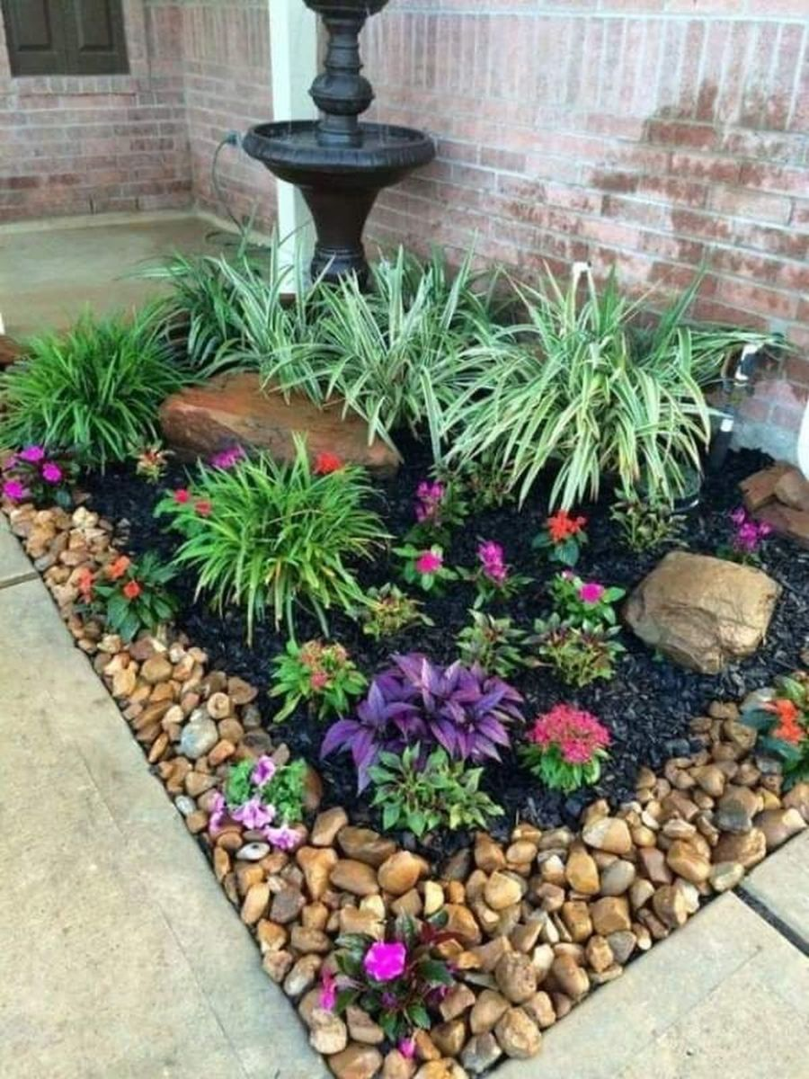 Lovely Flower Beds Design Ideas In Front Of House 25