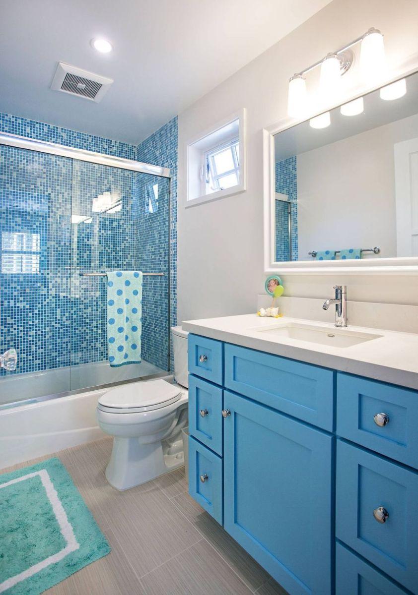 Nice Blue Color Bathroom Decor Ideas 18