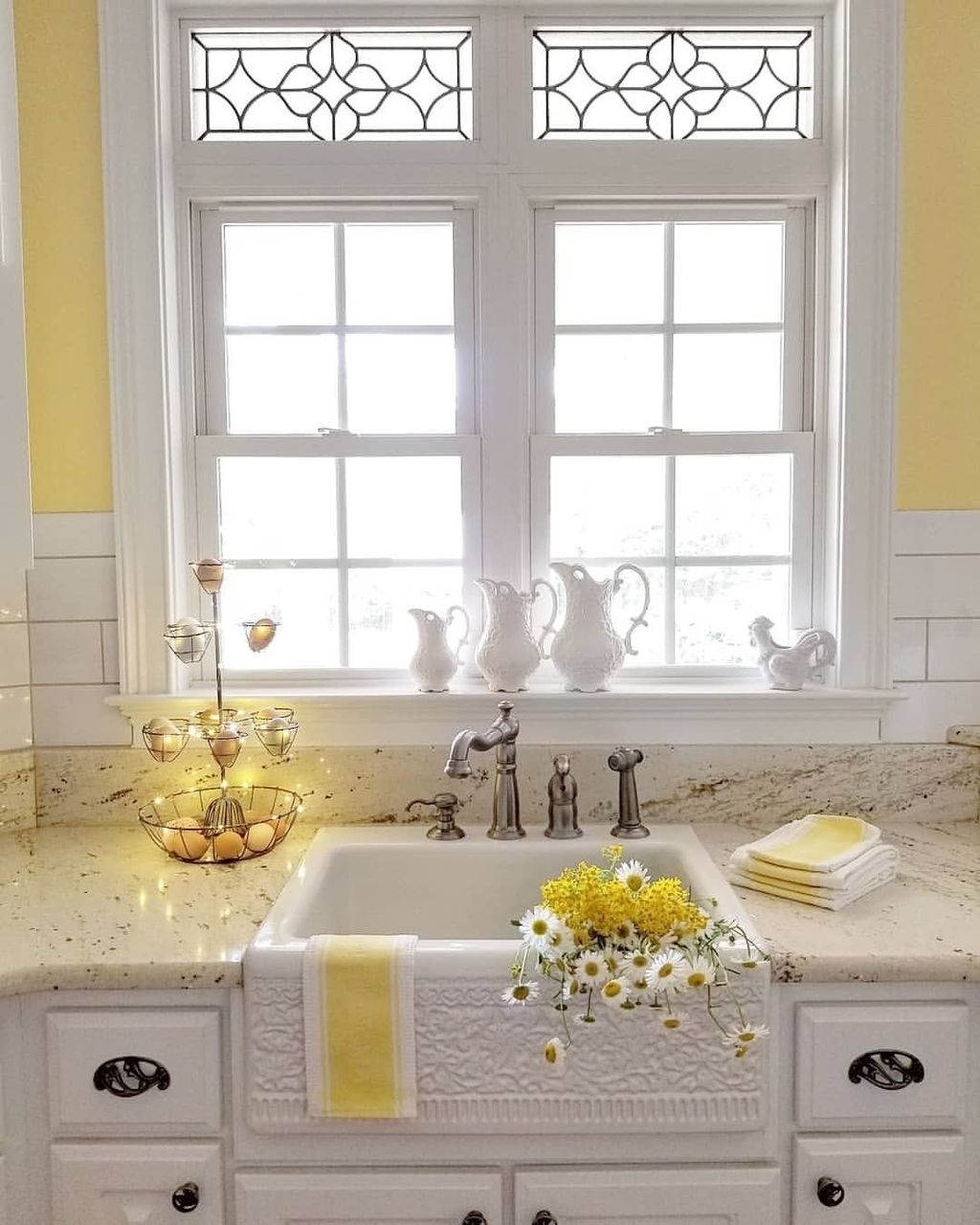 Nice Yellow Kitchen Decor Ideas For This Summer 06