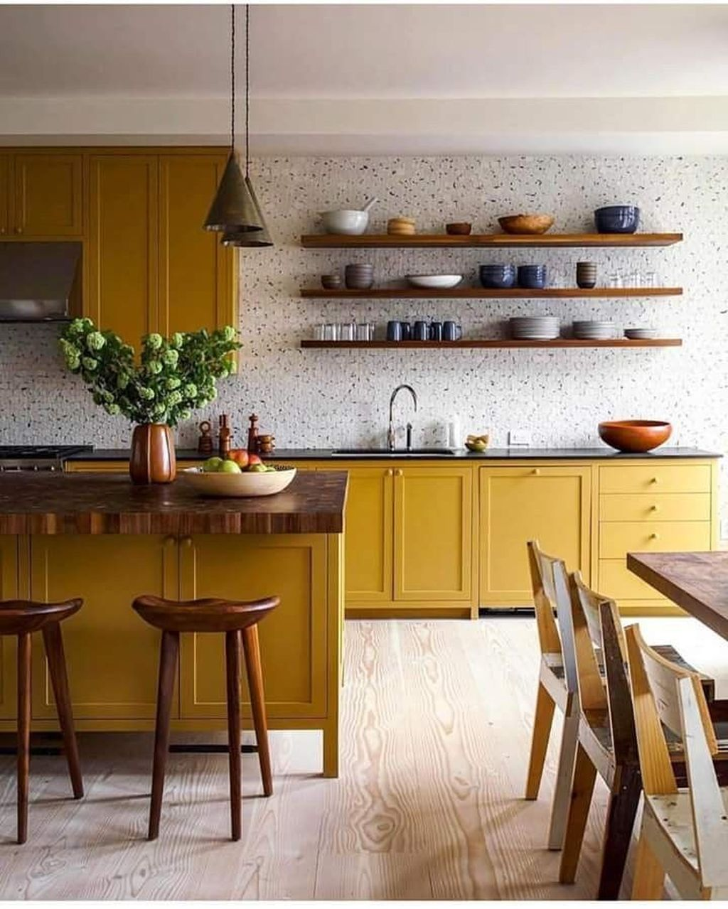 Nice Yellow Kitchen Decor Ideas For This Summer 24