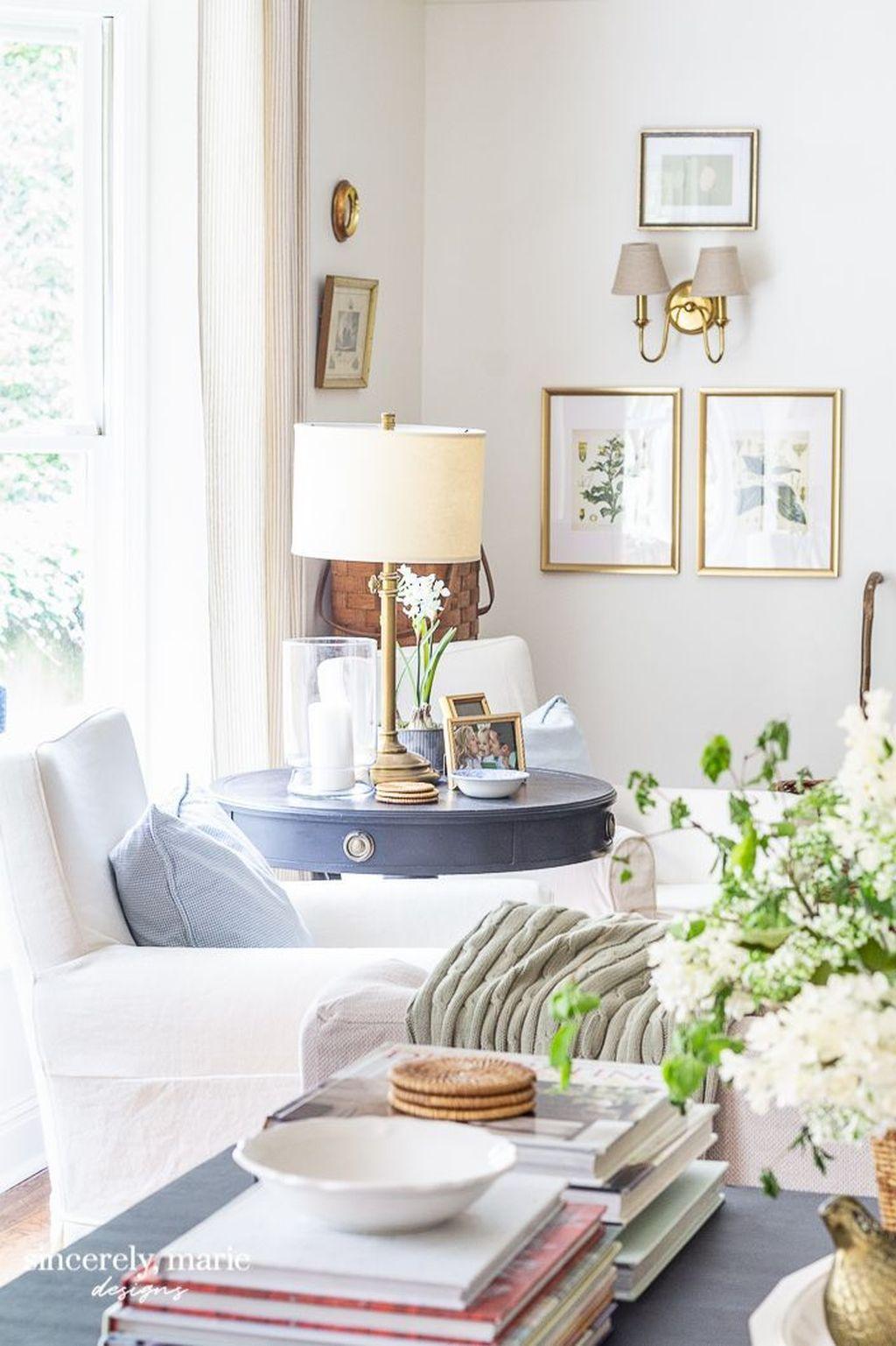 Popular Spring Living Room Decor Ideas 27