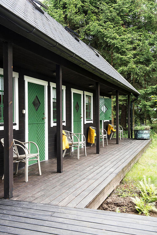 Stunning Summer House Colors Exterior Ideas 29