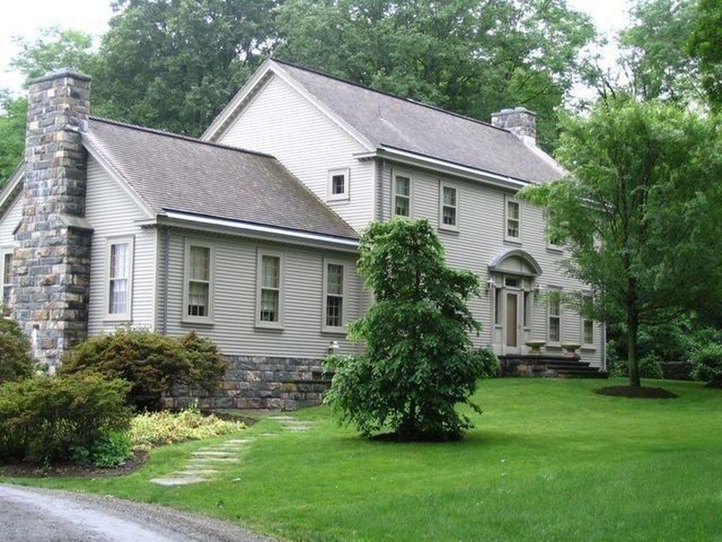 Stunning Summer House Colors Exterior Ideas 31