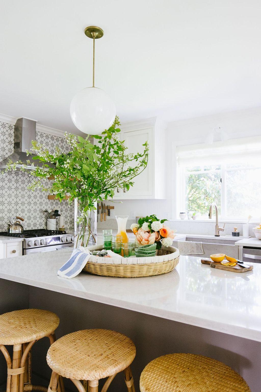 Wonderful Summer Apartment Decor Ideas 33