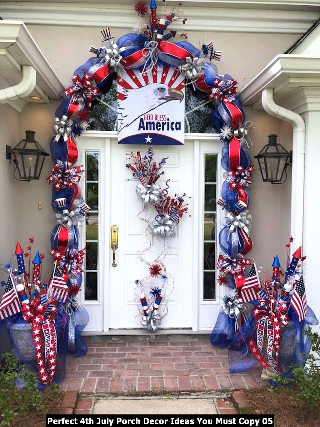 Perfect 4th July Porch Decor Ideas You Must Copy 05