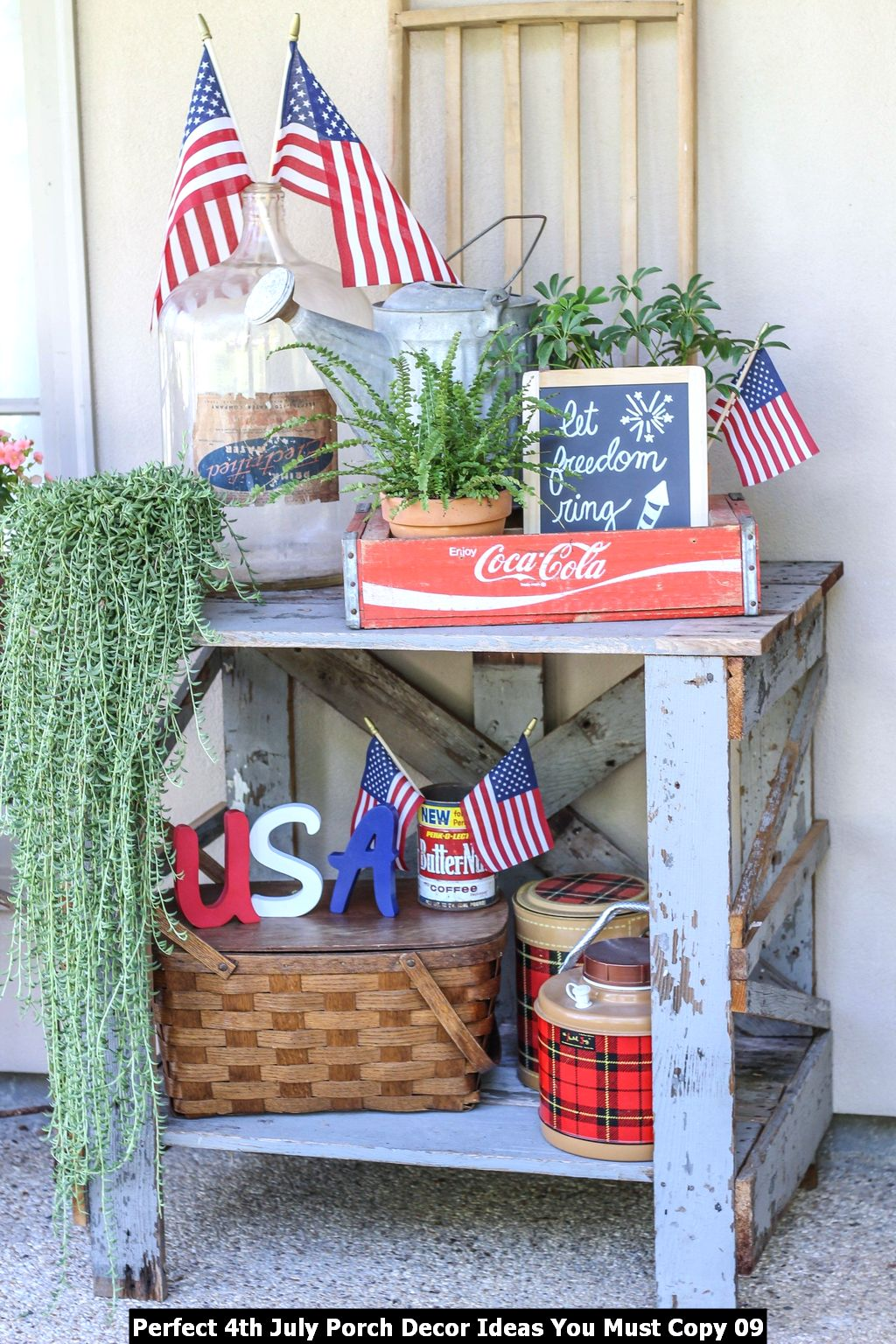 Perfect 4th July Porch Decor Ideas You Must Copy 09