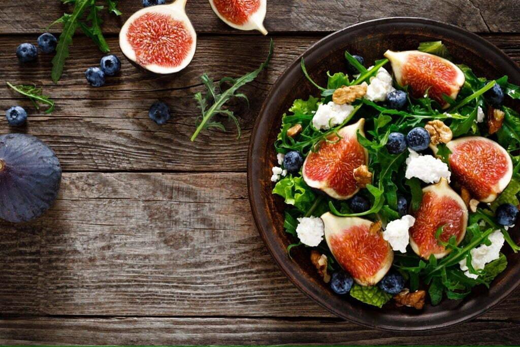 Salade healthy de figues et feta