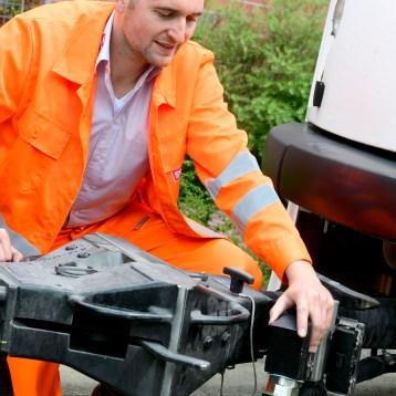 Auch das Zu- und Abkoppeln von Wagen gehört zum Job.