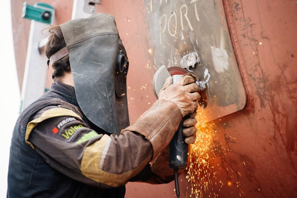 80t schwerer Hei§wassererzeuger von Viessmann wird fŸr die Stadtwerke Erfurt angeliefert