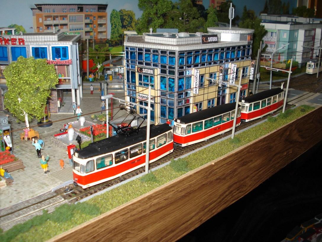 Gotha-3-Wagen-Zug im Stadtzentrum (002)