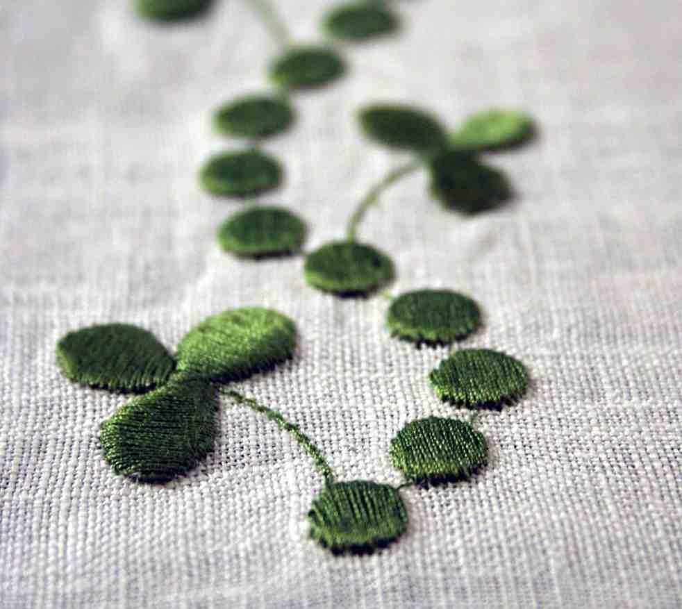 Free download shamrock embroidery design