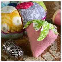 Pincushion with emery strawberry