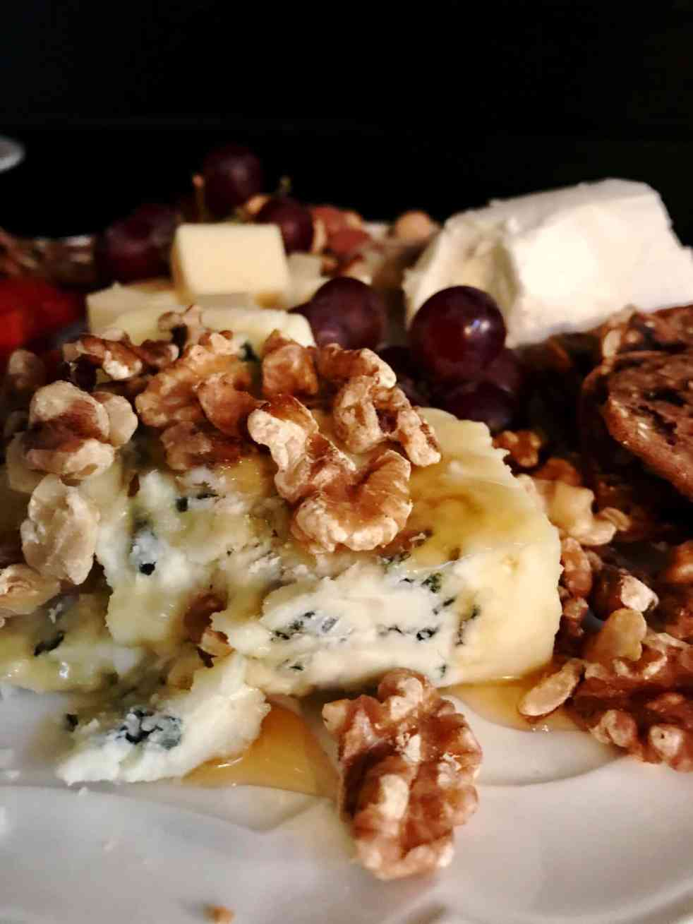 elegant and simple cheese plate