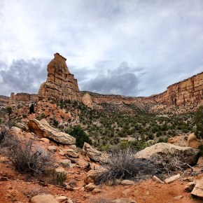 Hiking Wedding Canyon and Monument Canyon Loop in Colorado National Monument