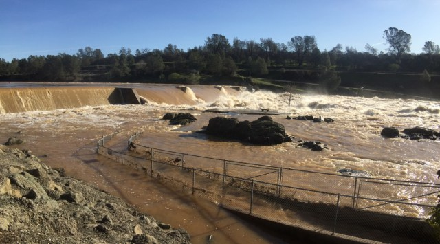 Floods cause Feather River Hatchery Closure