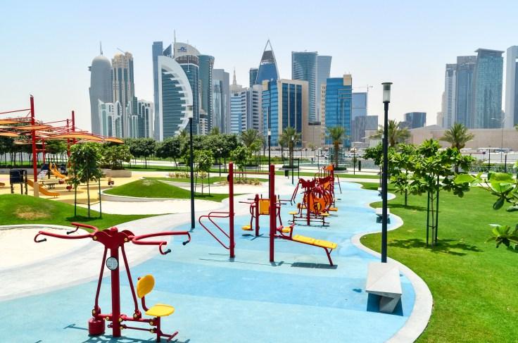 Doha co zobaczyć, Doha_z_dzieckiem, Doha, stopover, przesiadka, Katar, tranzyt, Sheraton_Park, plac_zabaw, West_Bay